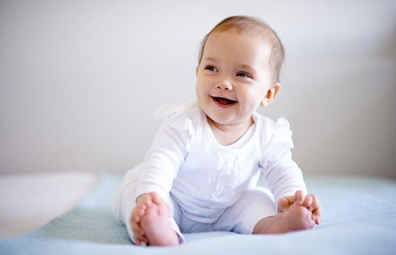Mira todo lo que puede hacer tu bebé a los 6 meses de edad, y descubre cómo puedes crear un entorno propicio para su desarrollo. bebé Jugar con tu bebé Lactancia Mamá después del parto Papá y el bebé Recetas para bebés Recién nacido Salud y enfermedades Seguridad hola mi bebe tiene 6 mese cumplidos pero llora mucho yo le doy.