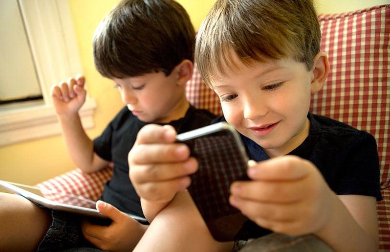 A qué edad los niños pueden tener celular