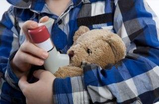 nino con asma
