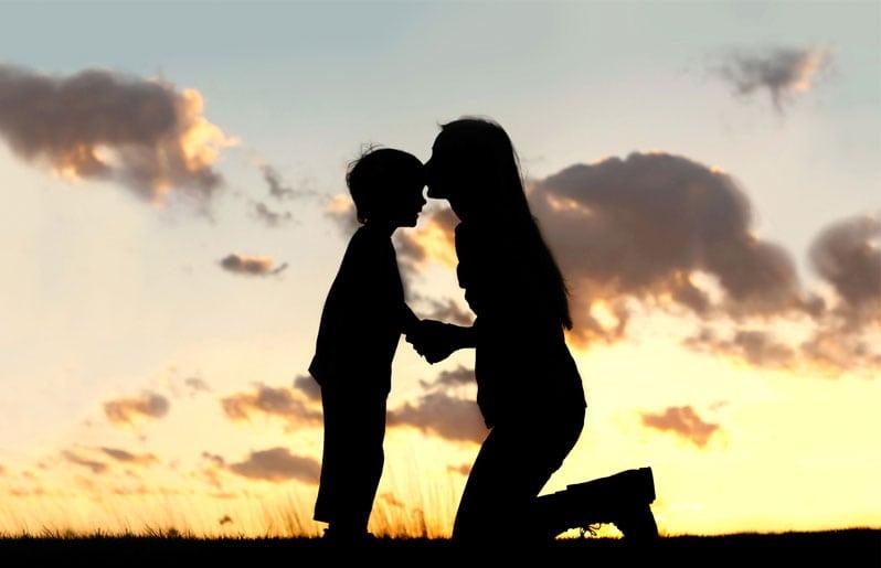 mama con su hijo