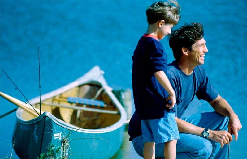 papa con su hijo marinero