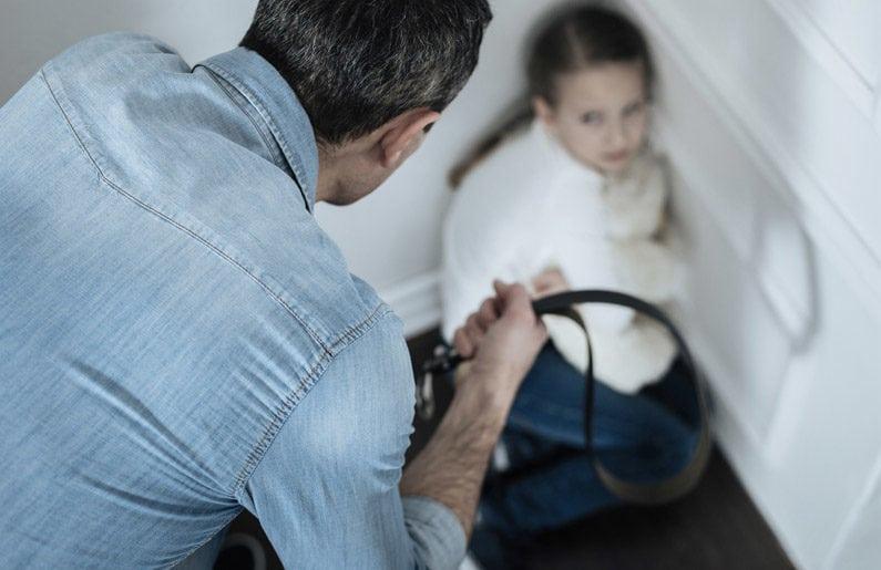 cosas-que-debes-hacer-antes-de-pegarle-a-tu-hijo