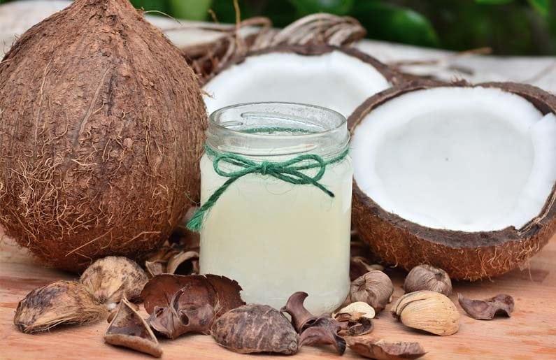 5-beneficios-del-aceite-de-coco-para-tu-bebe