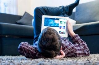 estas-poniendo-en-riesgo-a-tus-hijos-en-el-mundo-digital
