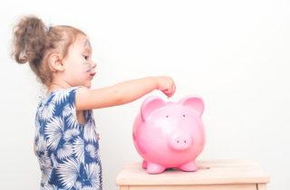 como-ensenarle-a-tus-hijos-a-gastar-y-ahorrar