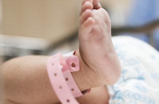 Cesarea Pro vínculo cesarea que se asimila al parto natural