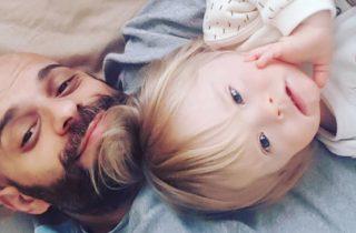 Hombre adopta a niña con Síndrome de Down que fue rechaza 20 veces