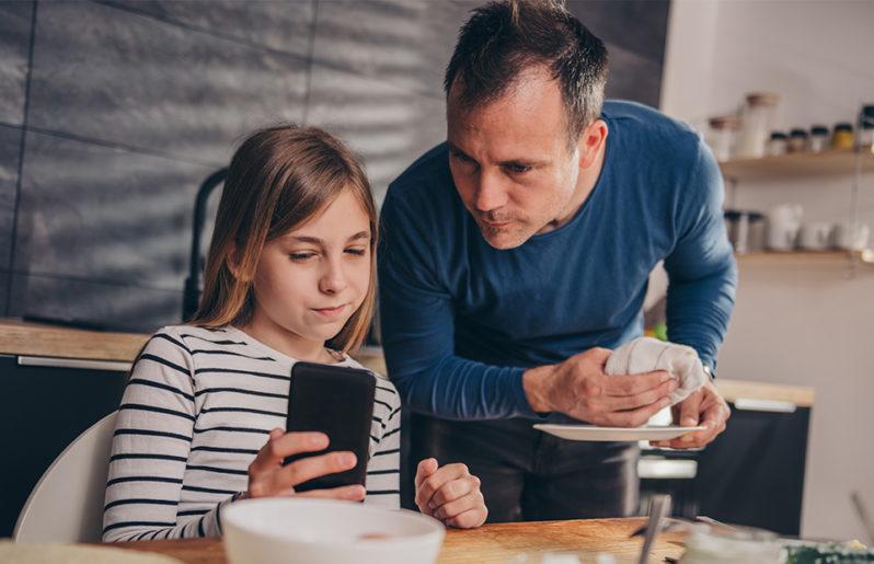 Los papás de hoy pasan 3 veces más tiempo con sus hijos