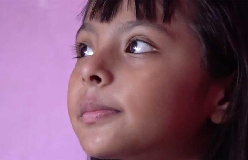 Adhara, la niña mexicana con un IQ superior a Einstein y Hawking