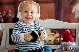 Música navideña para tu bebé y sus beneficios