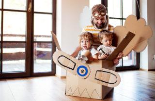 El 60% de los padres juegan menos de dos horas a la semana con sus hijos